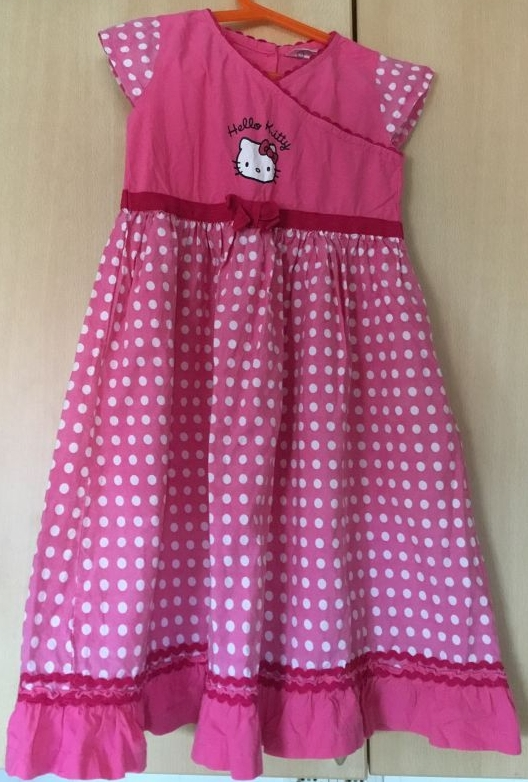 Hello-Kitty-Kleid Gr. 128/134